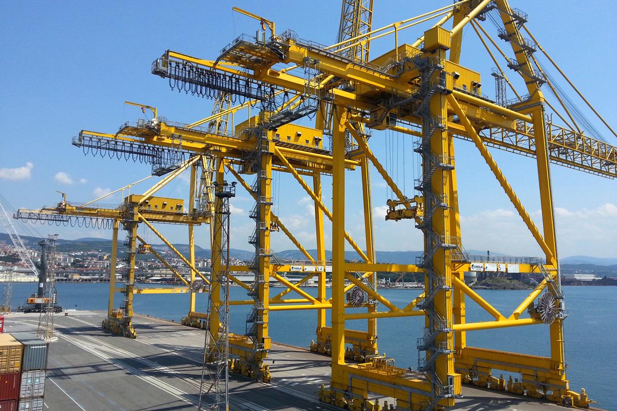 applicazione driver per movimentazione automatismi gru portuali