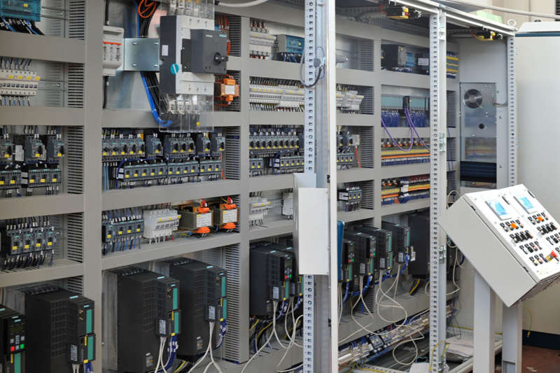 progettazione quadri elettrici di controllo e cablaggio quadri elettrici industriali di comando per automazione industriale